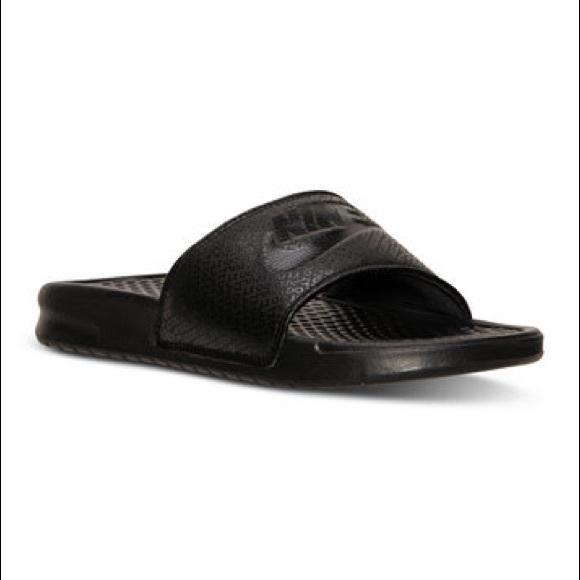 new style d0c81 72bc3 Men s Nike Benassi JDI slides 💯